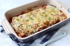 Op zoek naar een lekker recept met cannelloni? Maak dan eens deze variant: cannelloni met spinazie. Super lekker en heel erg simpel om te maken! Veggie Recipes, Pasta Recipes, Low Carb Recipes, Vegetarian Recipes, Dinner Recipes, Healthy Recipes, Veggie Food, Healthy Food, A Food