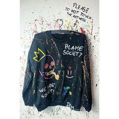Skull oversized Sweatshirt. Hand painted oversized Sweatshirt. | Etsy Custom Clothes, Diy Clothes, Painted Denim Jacket, Diy Sweatshirt, Painted Clothes, Trendy Hoodies, Look Cool, Aesthetic Clothes, Printed Sweatshirts