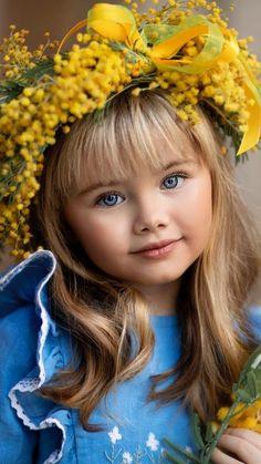 Cute Little Baby Girl, Cute Young Girl, Little Girls, Precious Children, Beautiful Children, Beautiful Babies, Little Girl Photography, Cute Kids Photography, Cute Baby Pictures