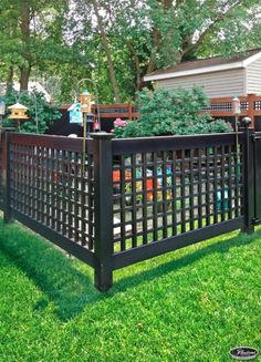 VSQL48-4 4' Vinyl Semi-Privacy Fence with Old English Style Lattice panels in Black (L105)