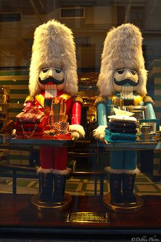 oh how cute.  Love their hats. Nutcracker Display Tables::Commercial