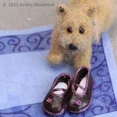 Make Custom Fitted Shoe Patterns for Any Size or Shape of Doll