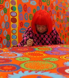 Loving Yayoi ❤️ Kusama (87) works on a painting a day, seated at a table with the canvas placed flat in front of her. Her physical movement around the canvas is an unusual and practical method to downplay a central compositional focus and increase the viewer's sense of immersion when in front of the work. Kusama's practice is therapeutic, and is in fact encouraged by her doctors as a means of expressing her visions and philosophy. In this way, many elements of Kusama's work can be understood…