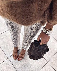 New Fashion Winter Street Style Casual Outfit 60 Ideas Easy Style, Trendy Style, Autumn Winter Fashion, Spring Fashion, Alternative Rock, Moda Do Momento, Trendy Fashion, Womens Fashion, Zara Fashion