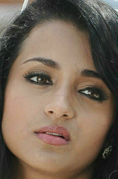 Beautiful Lips, Beautiful Girl Indian, Most Beautiful Indian Actress, Trisha Actress, Actress Without Makeup, Indian Face, South Indian Actress Hot, Indian Bridal Outfits, Beautiful Bollywood Actress