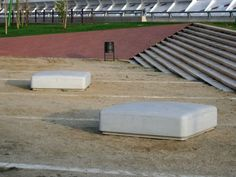Public bench / contemporary / engineered stone PUFF by Arriola&Fiol Escofet