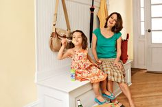 Step-by-step instructions to make a storage-loaded mudroom bench like the one shown here (Photo: Wendell T. Webber)