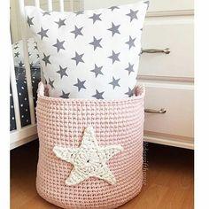 Adorei!!! Por @didosgifthouse  #tapete #crochet #croche #handmade #tapete #fiodemalha #feitocomamor #feitoamao #trapilho #totora #knit #knitting #alfombra #decor #quartodebebe #baby #quartodemenino #decor #decoracao #artesanato