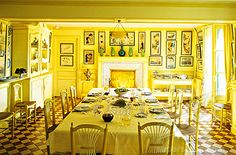 Home and Decor Trends for Dream Homes - Like Yours! Color Trends, Design Trends, Kitchen Flooring, Yellow Rooms, Table Settings, Dining Room, Claude Monet, Interior Design, Cure