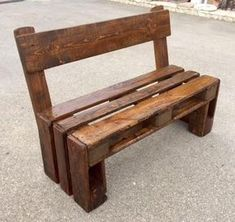 Cool 35 Unordinary Wooden Pallet Furniture Ideas That Is Easy For You To Make Wooden Pallet Projects, Wooden Pallet Furniture, Diy Outdoor Furniture, Wooden Pallets, Wooden Diy, Rustic Furniture, Diy Furniture, Playhouse Furniture, Pallet Playhouse
