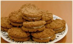 Gypsy Creams A crispy oat biscuit with a touch of vanilla and filled with a butter cream icing. Biscuit Cookies, Biscuit Recipe, Cake Calories, Cream Biscuits, Savoury Baking, English Food, Cereal Recipes, Breakfast Dessert, Tray Bakes