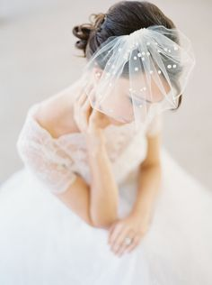 Mini birdcage veil with pearls by Joy and Felicity (photography by Elizabeth Ngundue Photography) When I think of the bold, fashion-forward brides we've featured over the years, there's…