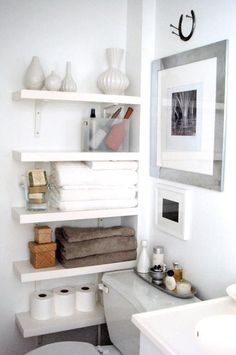 Awsome wall shelves for small bathroom storage design ideas. - SHW Home Decor Small bathroom storage is important for keeping your bathroom stay clean and tidy. If you have a small bathroom you are most likely in need of some bathroom Small Bathroom Organization, Home Organization, Organized Bathroom, Organizing Ideas, Bathroom Shelves For Towels, Studio Apartment Organization, Organizing Solutions, Medicine Organization, Household Organization