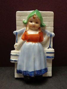 Vintage Porcelain Wall Pocket with Dutch Girl - Small Size -  Made in Japan