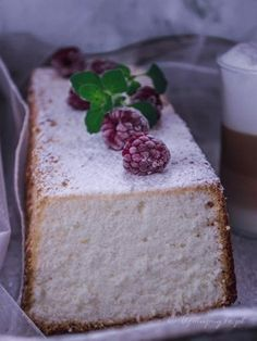Zdjęcie: Ciasto anielskie (Angel cake) Angel Cake, Angel Food Cake, Food Cakes, Homemade Cakes, Vanilla Cake, Feta, Cake Recipes, Biscuits, Food And Drink