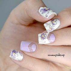 ssunnysideup: [REVIEW] Flower stickers on negative space nails