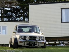 Tuck In Time Miniacs, closing the Wide Arched Wednesday show is a beautiful Chunky Clubby Our Lou spotted amoungst the caravans at the RivRun a few years back. Goodnight folks