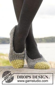 """Pantufas DROPS em croché, em """"Eskimo"""". ~ DROPS Design"""