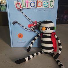 Alfabet lessuggesties   Klas van juf Linda Spelling, School, Children, Charlotte, Amigurumi, Young Children, Boys, Kids, Child