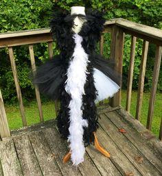 Skunk Tutu Costume Skunk Tutu Skunk Tutu Dress by PrincessTreasury Halloween Ii, Couple Halloween Costumes, Halloween Crafts, Tutu Costumes, Costume Ideas, Skunk Costume, Overall Tutu, Tulle Crafts, Crochet Fabric
