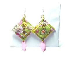 mod-fabric-of-flowers-and-paisley Paisley, Drop Earrings, Christmas Ornaments, Create, Holiday Decor, Fabric, Flowers, How To Make, Jewelry