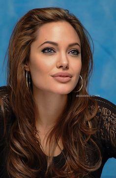 Beautiful Girl Photo, The Most Beautiful Girl, Beautiful People, Beautiful Women, Angelina Jolie Face, Angelina Joile, Brunette Actresses, Deepika Padukone Style, Luxury Girl