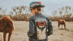 This Casey Curtis Designs x Revamped Rodeo collaborative photo shoot is giving us ultimate Western vibes!