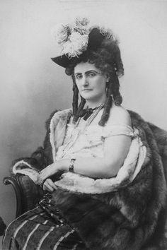 A Condessa de Castiglione com idade avançada