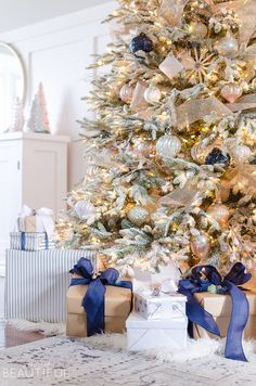 Christmas Home Tour | 2017 - A Burst of Beautiful