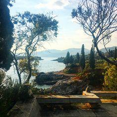 Road Trip dans le Péloponnèse #11 : Autour de Kardamyli - Ma Récréation - le blog de Lili Barbery-Coulon Places Ive Been, Places To Go, Greece, Road Trip, River, Sea, Blog, Outdoor, Beautiful Places