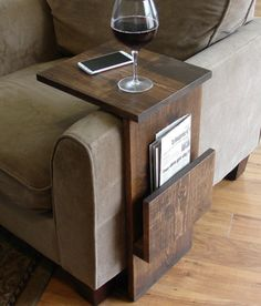 Sofa Chair Arm Rest TV Tray Table Stand with Side Storage Slot for Tablet Magazine.need to make one of these for the living room. Tv Tray Table, Tv Trays, Bed Tray, Couch Tray, Drawer Table, Wood Table, Console Table, Mesa Sofa, Diy Casa