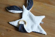 Doudou Gaspard le lapin - brodé - Prénom 6 lettres : Jeux, peluches, doudous par un-pingouin-sur-la-banquise