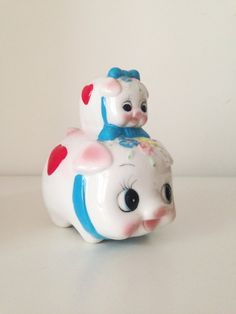 Vintage Ceramic mom and baby piggy banks Figurine Super Cute old collection. x x I would be happy to answer any questions Baby Piggy Banks, Vintage Love, Mom And Baby, 1970s, Super Cute, Kawaii, Ceramics, Retro, Handmade Gifts