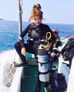 Scuba Wetsuit, Diving Wetsuits, Scuba Diving Gear, Diving Lessons, Diver Down, Scuba Girl, Womens Wetsuit, Koh Tao, Underwater