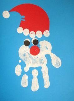 Интересное занятие в преддверии Нового года. Делаем с детьми поздравления для родственников. Даже если ребенок не умеет рисовать его ладошкой можно сделать замечательные памятные открытки. Возможно, это будет самая первая открытка и подарок сделанный своими руками в жизни ребенка.