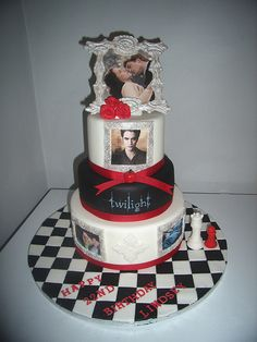Swell 35 Best Twilight Cakes Images Twilight Cake Twilight Cupcake Cakes Funny Birthday Cards Online Overcheapnameinfo