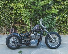 Honda Shadow hardtailed custom with short mid shotgun exhaust, rusty sportster tank Honda Shadow Bobber, Honda Bobber, Bobber Motorcycle, Bobber Chopper, Custom Bobber, Custom Bikes, 600 Honda, Honda Cruiser, Honda Steed