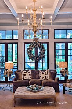 Savannah home decorated for the holidays. Designer Elizabeth Camp Wynn. -via Interior Canvas