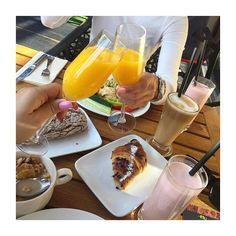Minden nap 7:00  10:00 között bővített svédasztalos reggeli (helyi és autentikus olasz fogások frissen készült tojás ételek friss gyümölcsök és pék áruk frissen facsart narancslé) az Avalon Ristorante olasz éttermében gyertek kóstoljátok meg!  #avalonpark #ristorante #italian