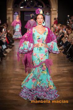 Modelo Maestranza www.vivalaferia.es Special Dresses, Formal Dresses, Dance Music, Designer Dresses, Beautiful Dresses, Harajuku, Pin Up, Hipster, Costumes