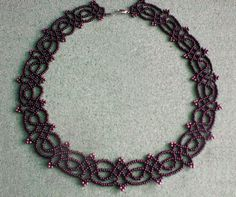 Beads Magic has the instructions for this beaded necklace - click through!