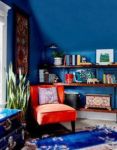 Classic Blue is Pantone's pick for the 2020 Color of the Year. To incorporate the blue color into your own home and home decor, we've rounded up ways to decorate with the 2020 Color of the Year. Teal Walls, Dark Walls, Restaurant Interior Design, Blue Rooms, Room Colors, Room Set, Living Spaces, Living Room, Family Room