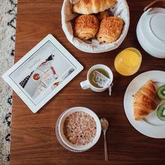 Bon dimanche, but first breakfast ☕️ Retrouvez toute notre collection de montres sur notre E-shop www.verymojo.com et préparez votre wishlist de Noël #verymojo #sunday #home #breakfast #cocooning #wishlist #itstoocoldtobeoutside ► www.verymojo.com ◄