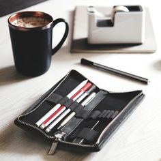 Pencil case size M, leather, black I Jahn leather goods - Arbeitszimmer Pencil, Wallet, Leather, Handmade, Black, Website, Highlighter Pen, Black Leather, Table Desk
