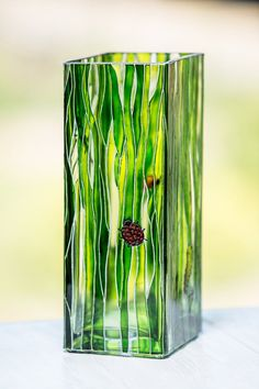 All Time Best Useful Ideas: Green Vases Beautiful tall vases bedroom.Vases Diy Sheet Music concrete vases how to make.Big Vases With Branches. Painted Glass Vases, Wooden Vase, Vase Crafts, Bottle Crafts, Transparent Glass Paint, Paper Vase, Green Vase, Vase Shapes, Pottery Vase