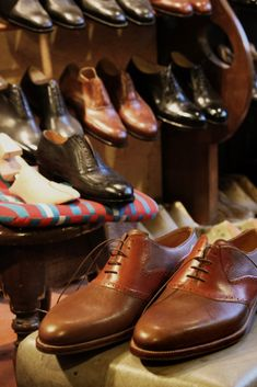 Ways your Choice of Shoes can have a Huge Impact on Your Personality - Fashionably Male Men Dress, Dress Shoes, Oxford Shoes, Menswear, Lace Up, Street Style, Fashion, Moda, Urban Taste