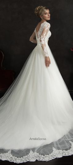 amelia-sposa-2015-wedding-dresses-nubia-1 - Belle The Magazine