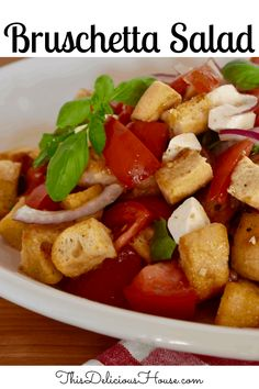 Bruschetta Salad is a traditional panzanella salad made with day old bread, fresh tomatoes, basil, and mozzarella. If you love bruschetta, you are going to love this salad! #bruschettasalad #panzanella Easy Salad Recipes, Easy Salads, Brunch Recipes, Healthy Dinner Recipes, Best Italian Salad Recipe, Italian Recipes, Healthy Side Dishes, Side Dishes Easy, Barbecue Recipes