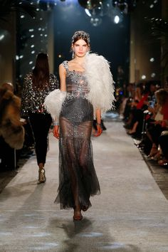 Dolce & Gabbana Fall Winter 2018-19 - Women's Secrets and Diamonds Show