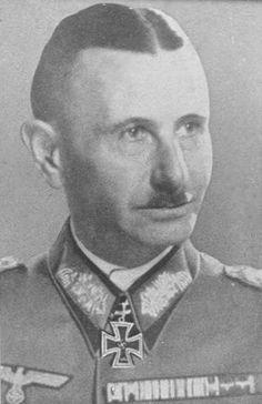 ✠ Werner Kienitz (June 3rd, 1885 - December 31st, 1959) RK 31.08.1941 General der Infanterie K.G. XVII. AK